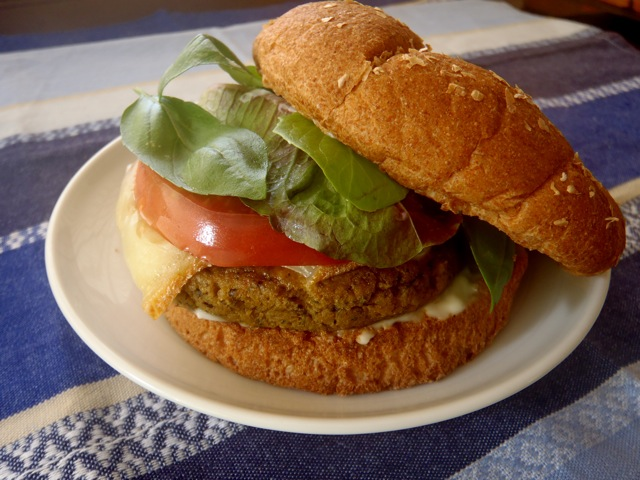 Tempeh Wild Rice Pesto Burger