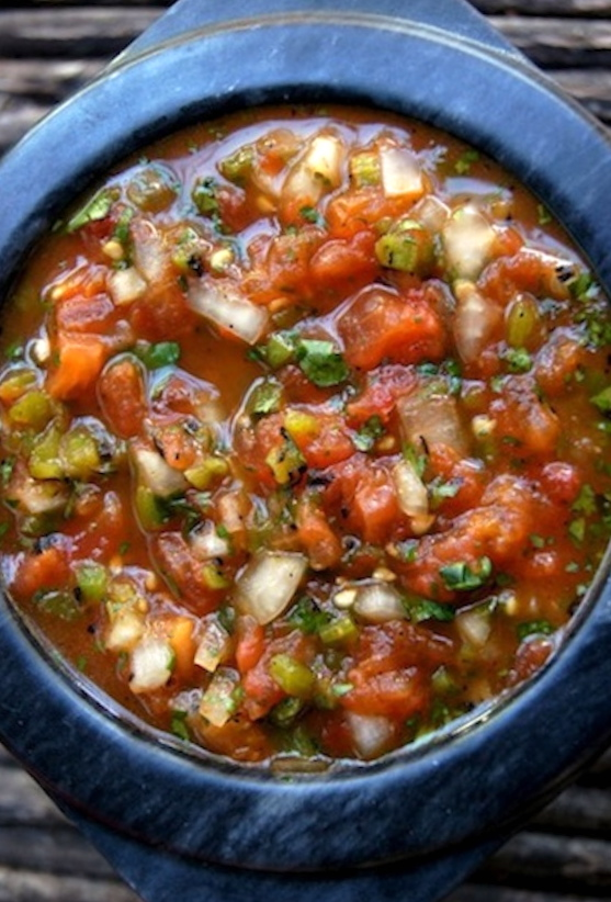 Roasted Tomato Poblano Salsa in a charcoal colored bowl