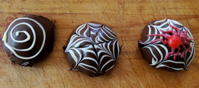 Image of 3 steps to making Spooky Spider Chocolate Truffles.