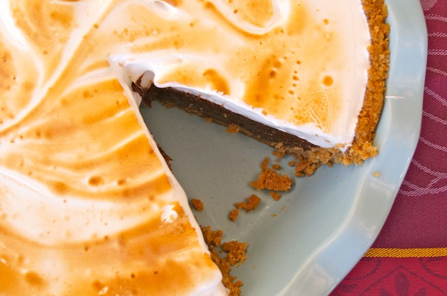 Peanut Butter S'mores Meringue Pie