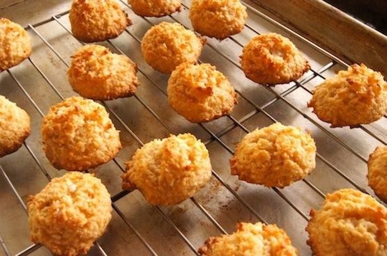 Salted Dulce De Leche Macaroons {Gluten-Free Recipe}