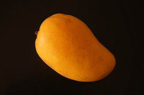 How to Cut a Mango: A Photographic Guide | cookingontheweekends.com