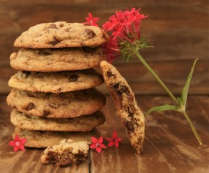Friday Flowers: Jupiter's Beard and Salted Brown Butter Chocolate Chip Cookies