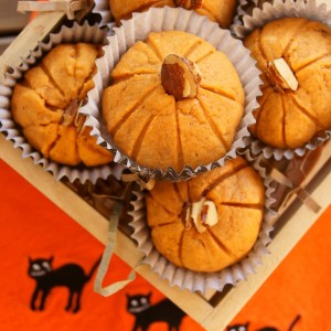 Pumpkin Almond Cookies for Halloween and Thanksgiving