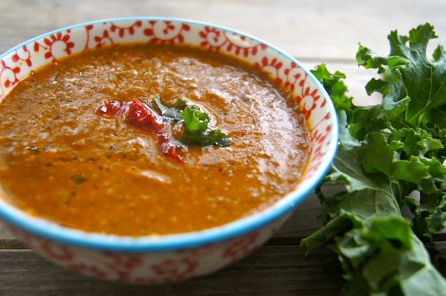 Spicy Kale Soup With Roasted Red Pepper and Tomato