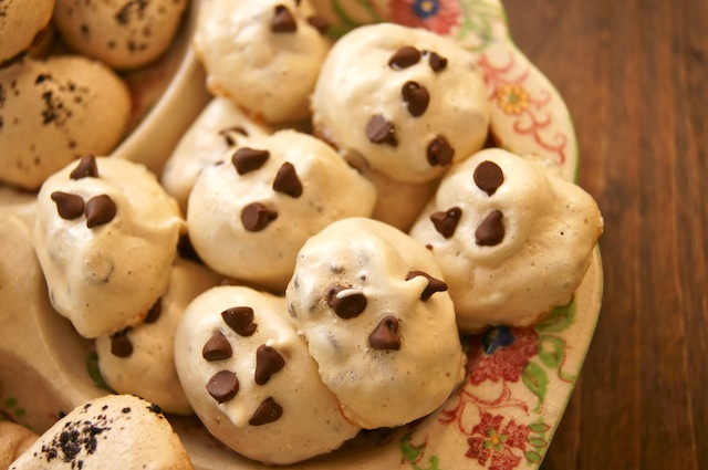 Vanilla Chocolate Chip Meringues
