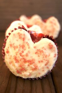 Raspberry-Beet Valelntine's Day Cupcakes {Gluten-Free Recipe} | Cooking On The Weekends
