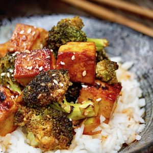 Sesame Sriracha Honey Glazed Tofu Broccoli
