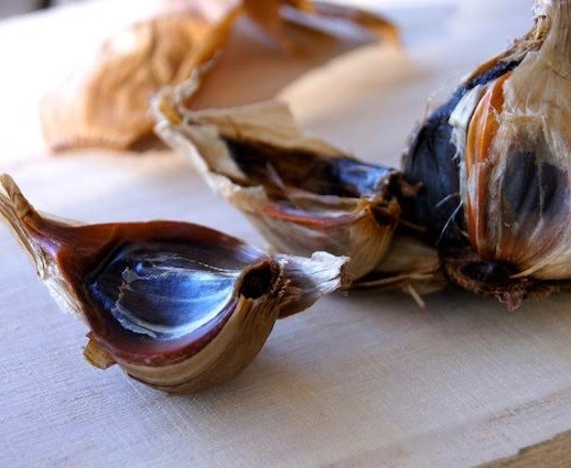 Black Garlic cloves for Black Garlic Pappardelle Pasta recipe