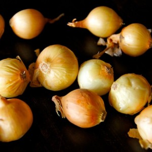 How to Peel Pearl Onions: A Photographic Guide
