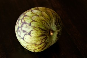 How to eat a Cherimoya: A Photograpic Guide | Cooking On The Weekends