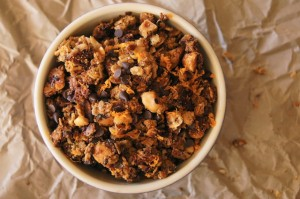 Hazelnut-Orange Granola Recipe | cookingontheweekends.com