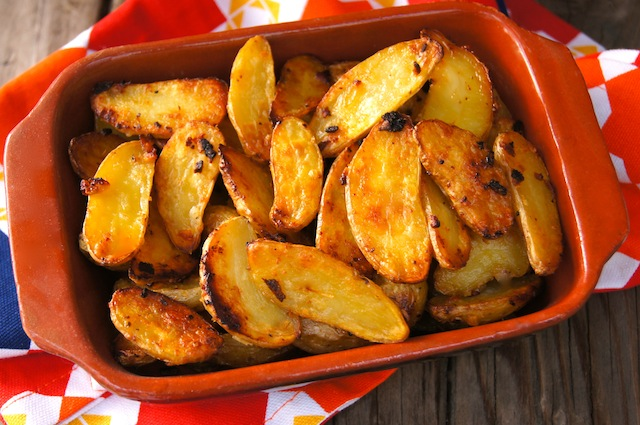 Garlic-Onion Crispy Fingerling Potato Recipe  - Cooking On The Weekends