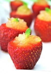 Summer Hors d'Oeuvre Recipe: Minty Lime Granita Strawberry Cups | cookingontheweekends.com