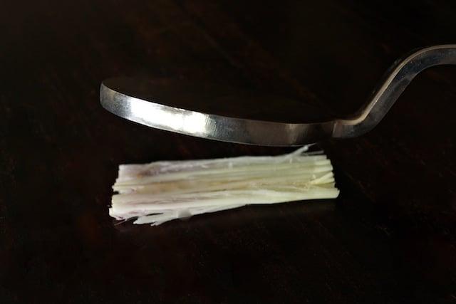 How to Use Lemongrass
