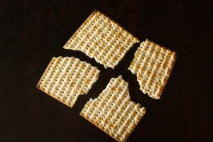 Matzo Brei a la florentine-white-black-broken cracker | cookingontheweekends.com