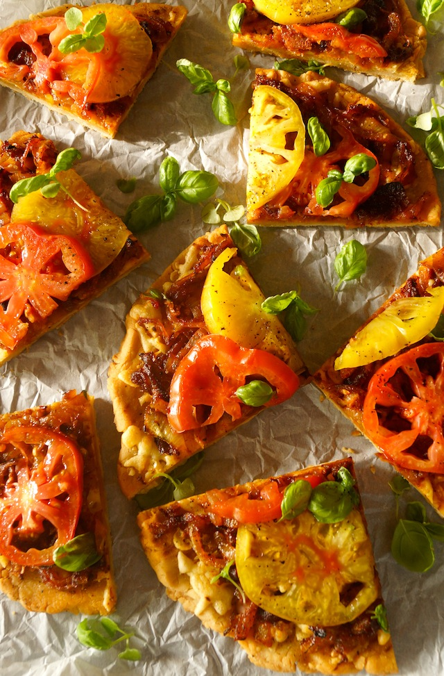 Bacon-Onion Heirloom Tomato Pizza Recipe – weekend recipes