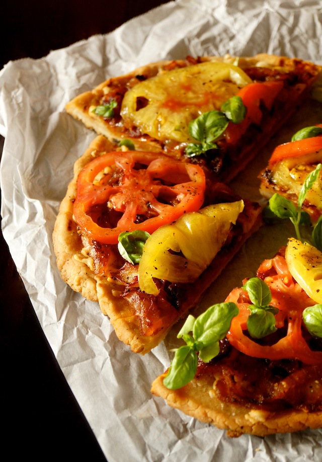 bacon onion heirloom tomato pizza recipe cooking on the. Black Bedroom Furniture Sets. Home Design Ideas