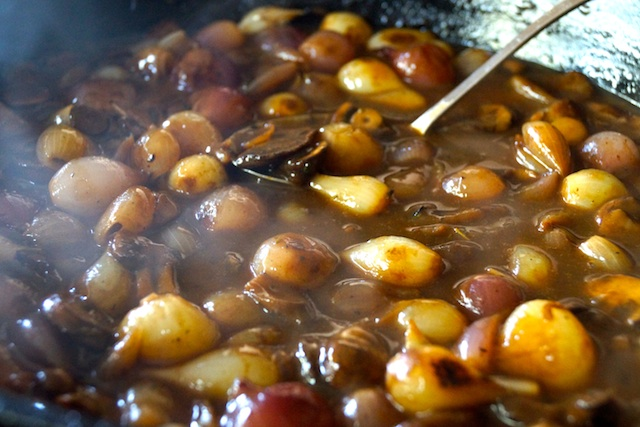 pearl onions in brown sauce for French Onion Mushroom Casserole Recipe